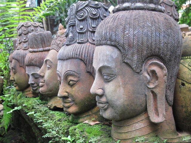 decoración en piedra, mantenimiento jardines, esculturas exterior, construcción escaleras, bancadas, esculturas al aire libre.